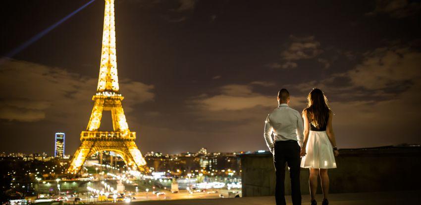 Séance engagement de Laetitia & Moise à Paris
